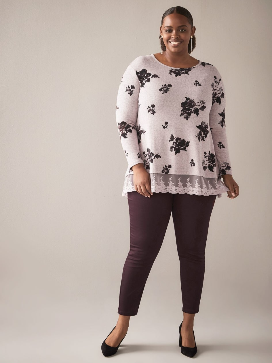 Long-Sleeve Lace-Hem Top - In Every Story