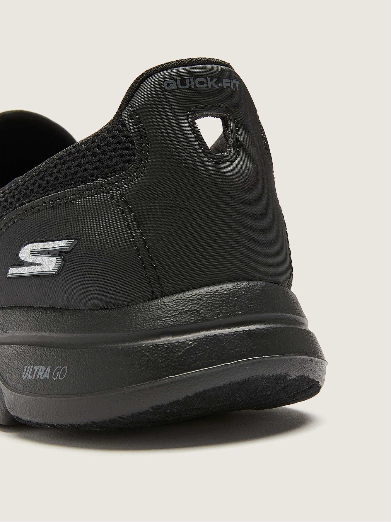 Wide GOWALK Slip-On Sneakers - Skechers