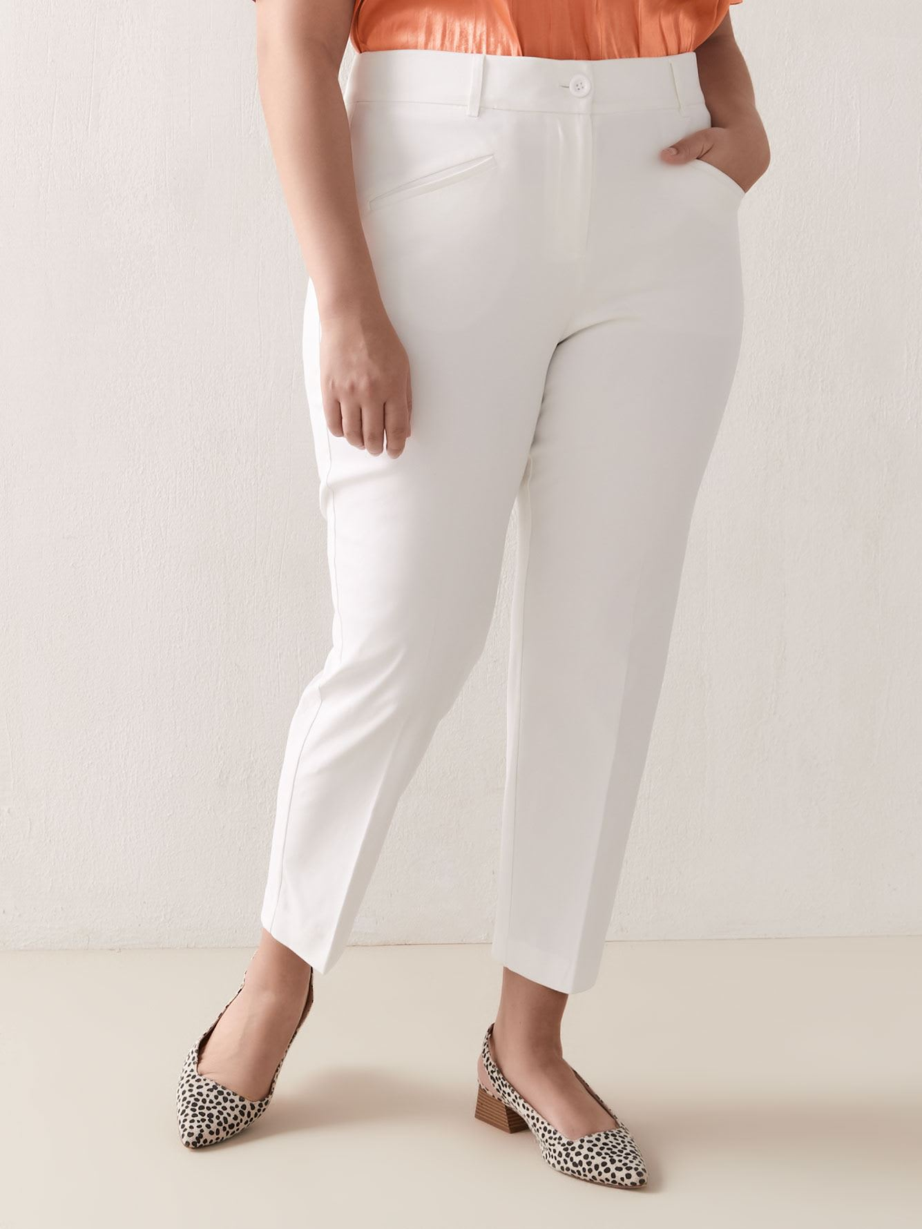 Savvy Chic Slim Leg Ankle Pant - In Every Story