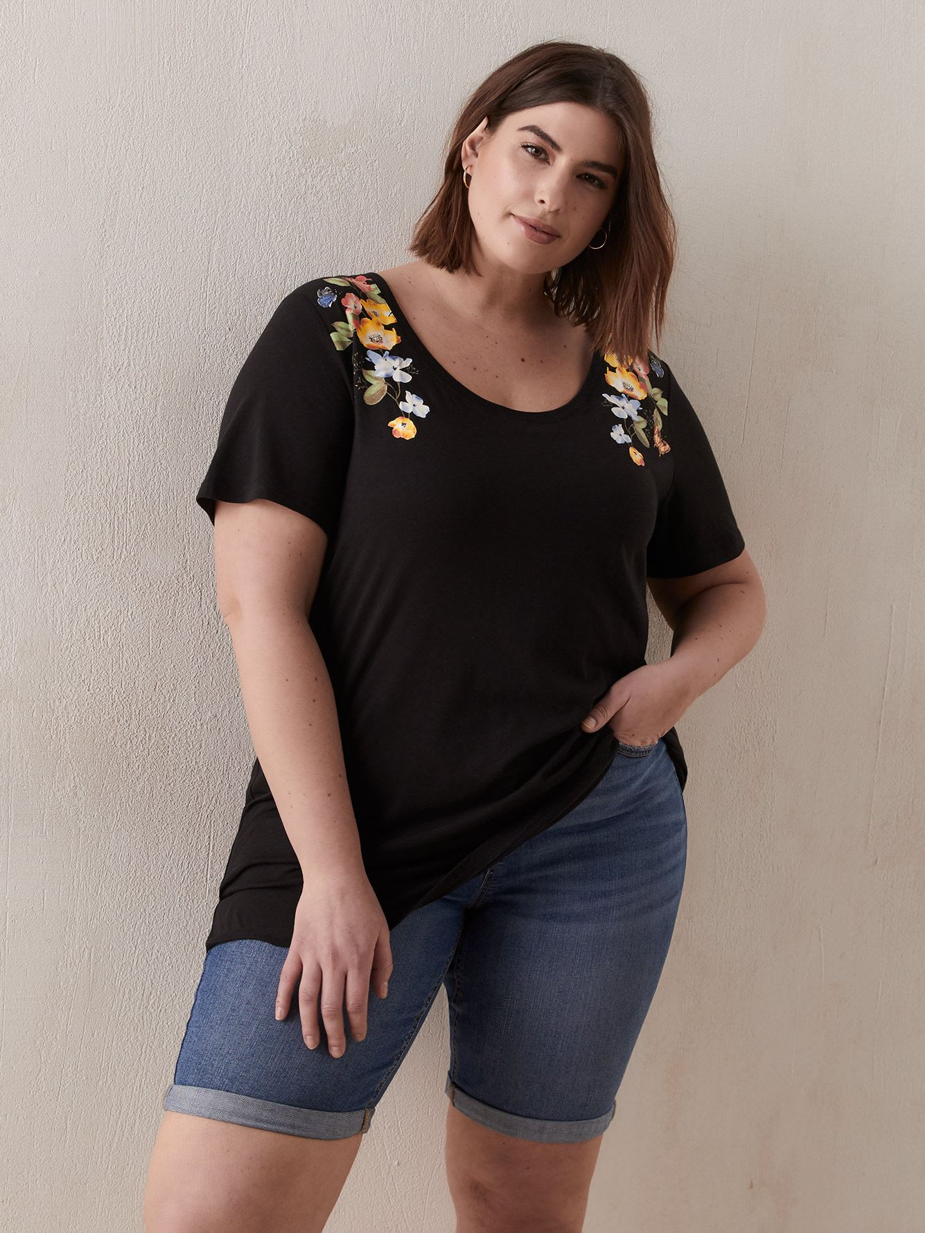 Boyfriend Fit Scoop Neck T-Shirt - In Every Story
