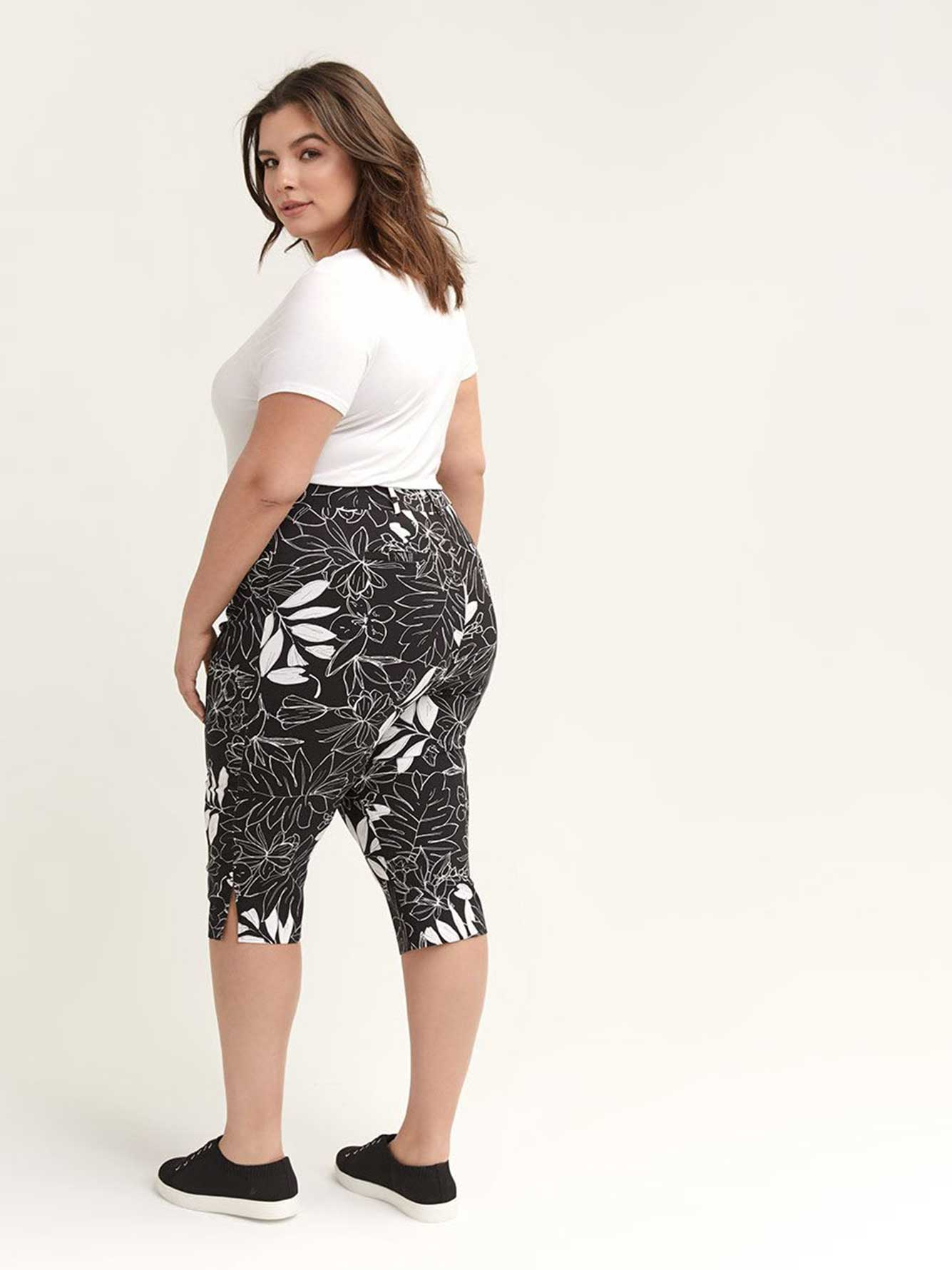 Floral Savvy Capri - In Every Story