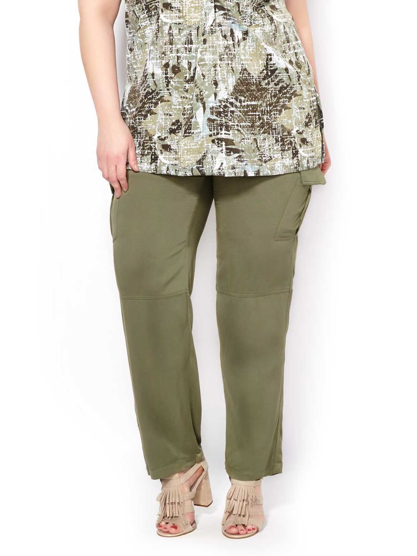 1760f24b815 Slightly Curvy Fit Straight Leg Cargo Pant
