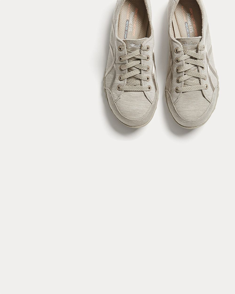 skechers relaxed fit wide