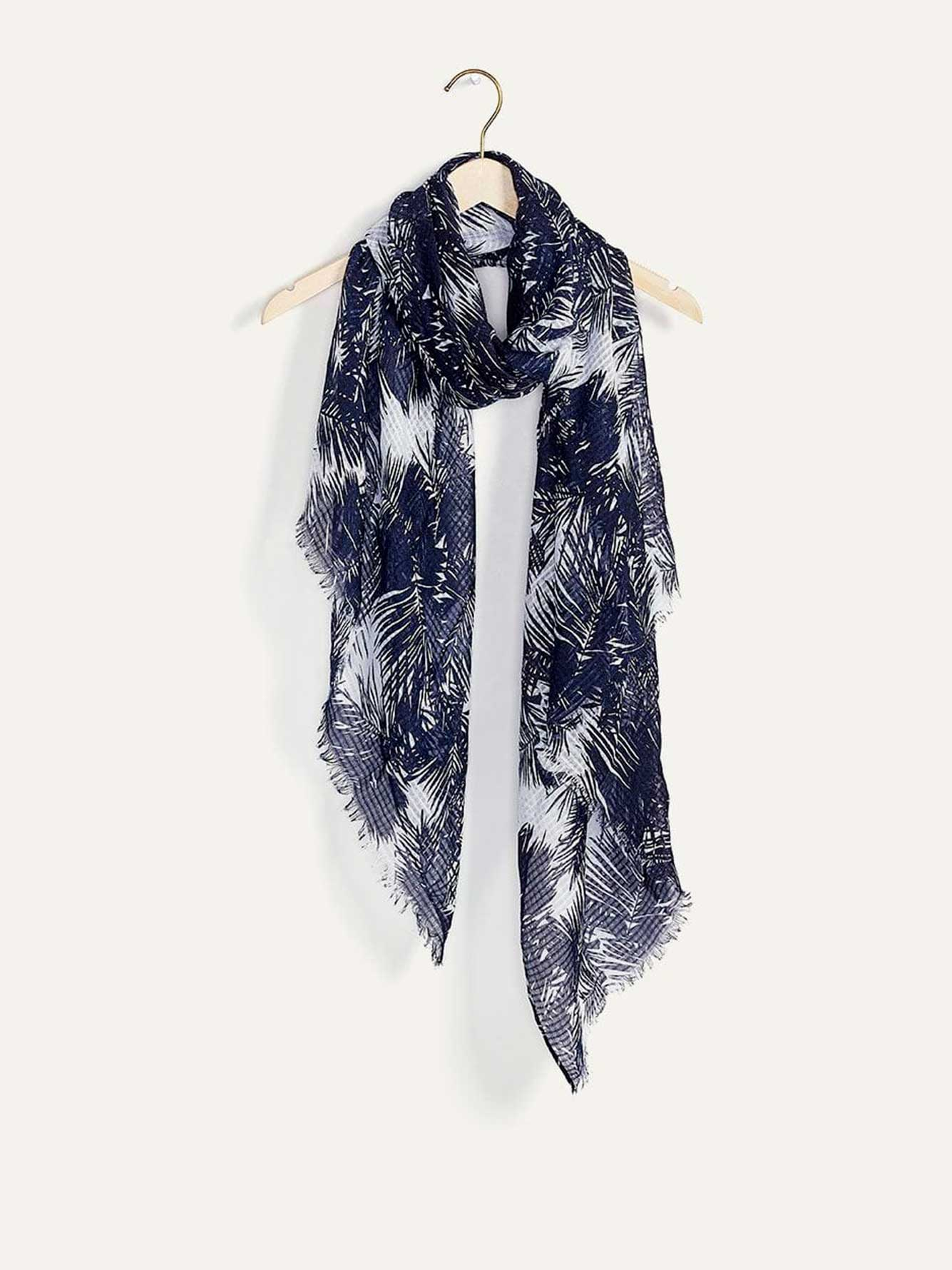 Textured Lightweight Scarf