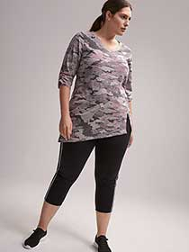 Plus Size Printed Asymmetrical 3/4 Sleeve Top - ActiveZone