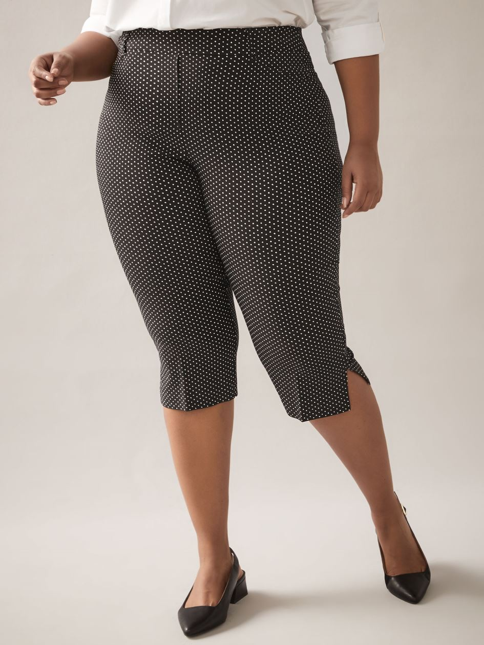 Savvy Fit, Printed Capri Pant - In Every Story