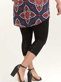 Capri Legging with Criss-Cross Details