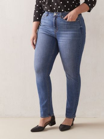 Straight Leg Medium-Wash Jeans - d/C Jeans