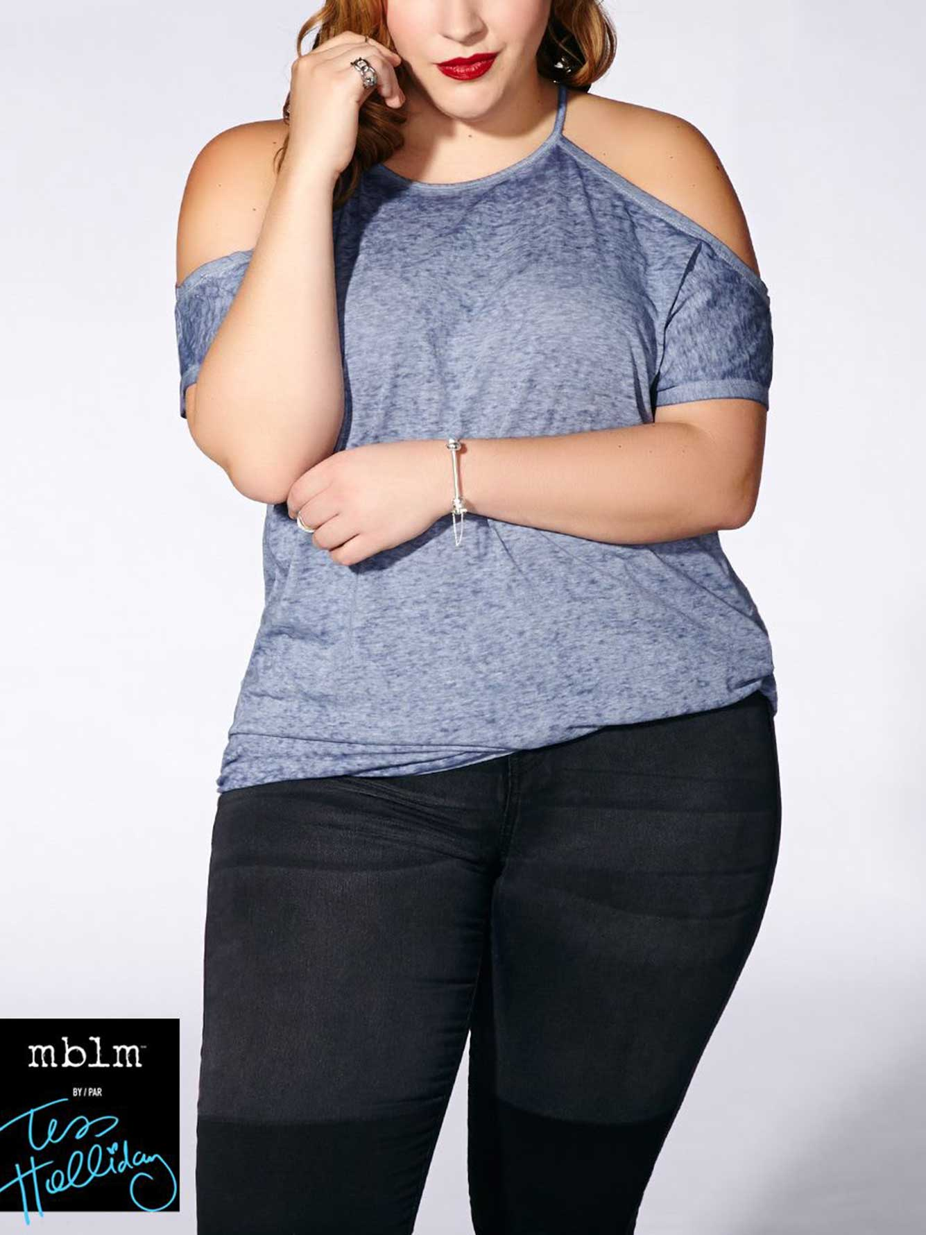 0723ee145882e0 Tess Holliday - Short Sleeve Cold Shoulder Top