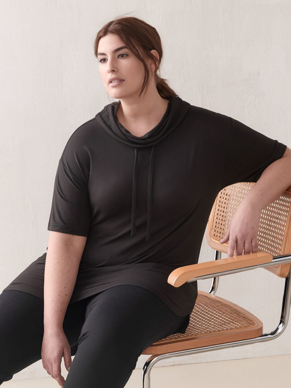 Short-Sleeve Funnel-Neck Sweatshirt - ActiveZone