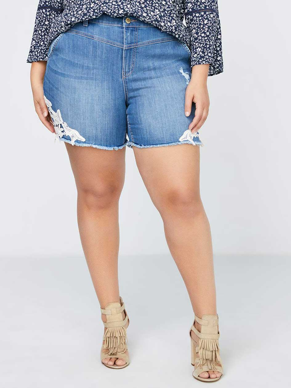 Slightly Curvy Fit Denim Short with Embroidery - d/C JEANS