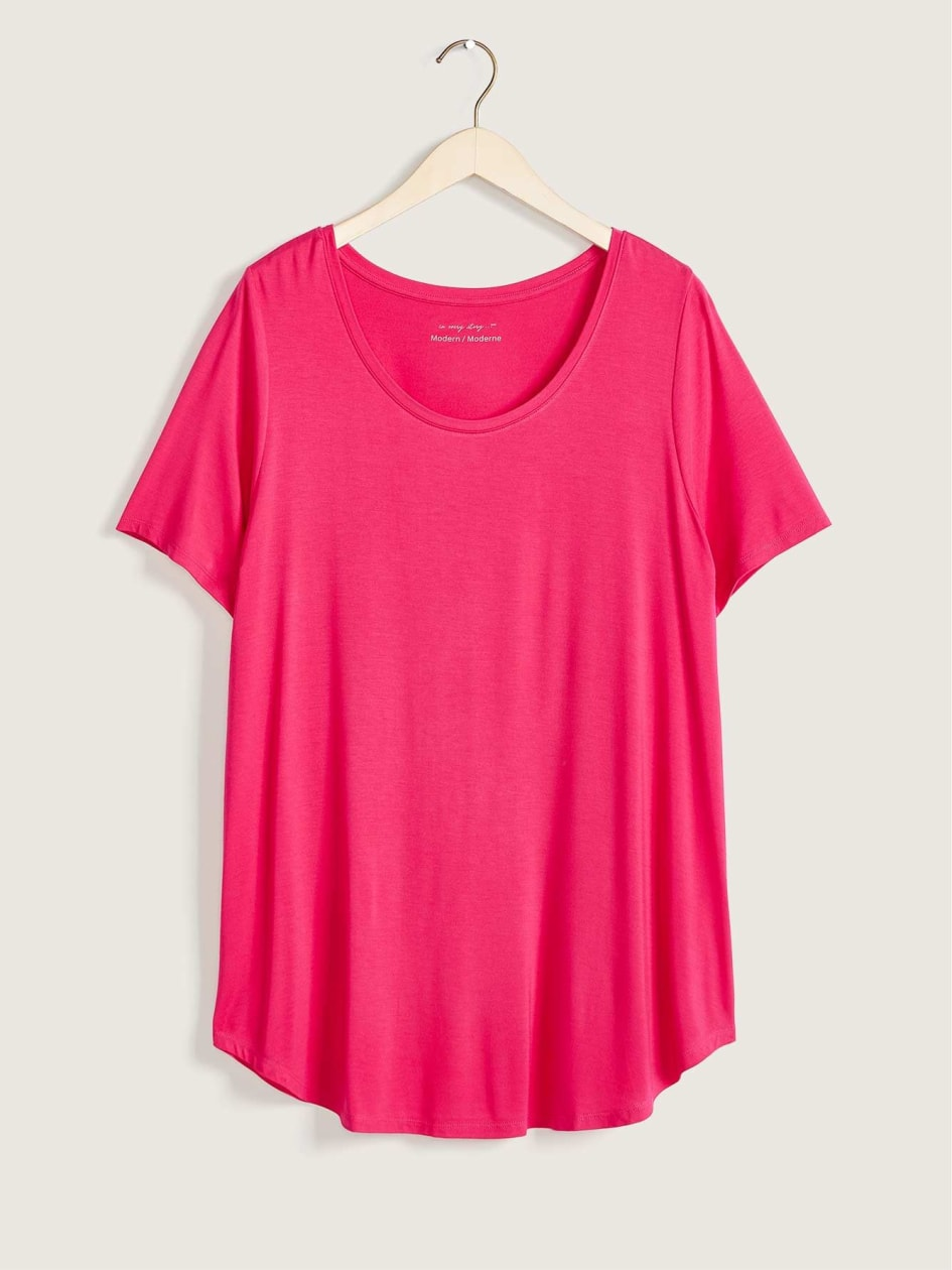 Modern-Fit Scooped Neck Solid-Coloured Tee - In Every Story