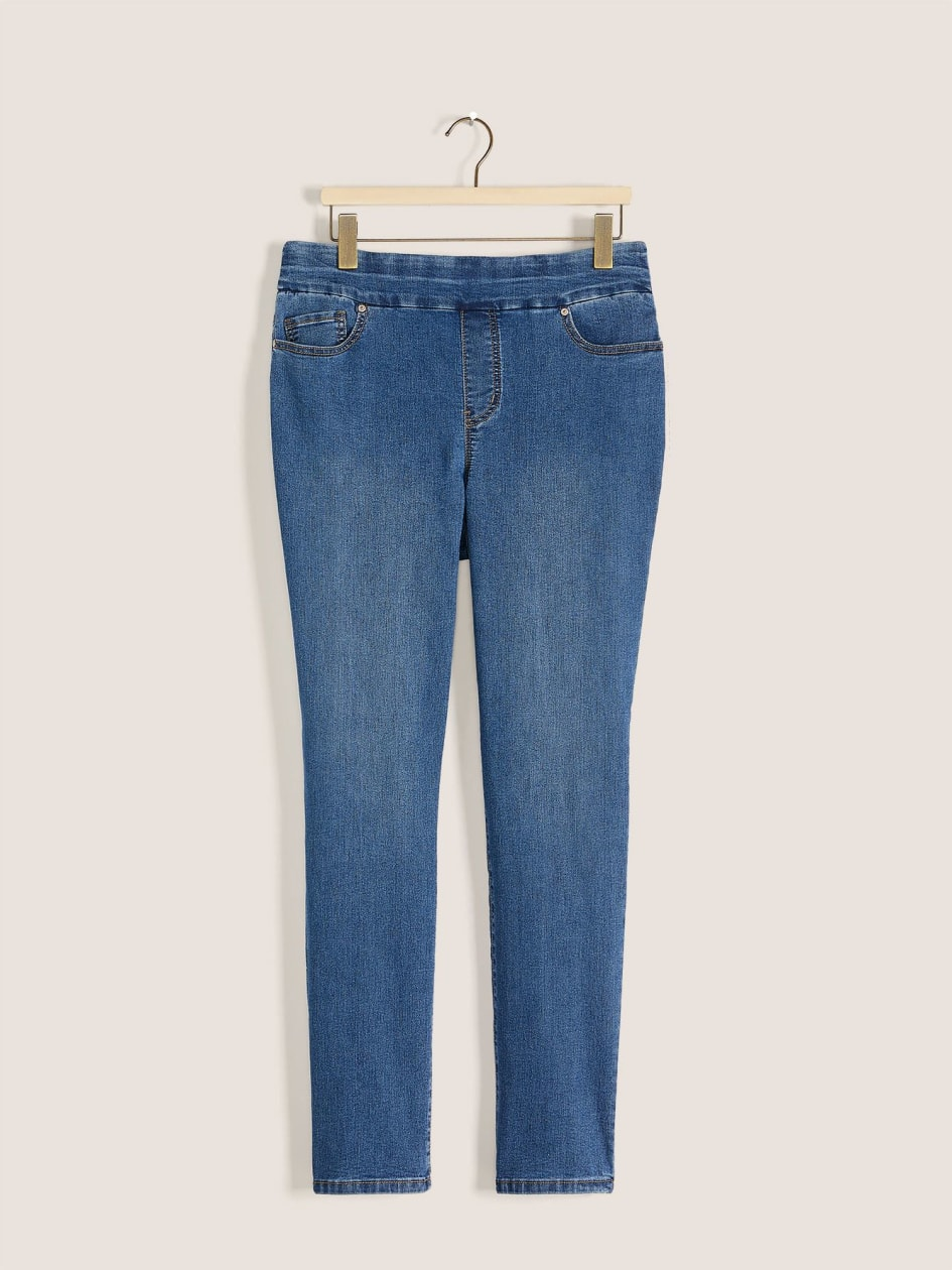 Savvy, Petite, Straight Leg Blue Jeans - In Every Story
