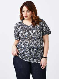 Curve Fit Printed T-Shirt - d/C JEANS