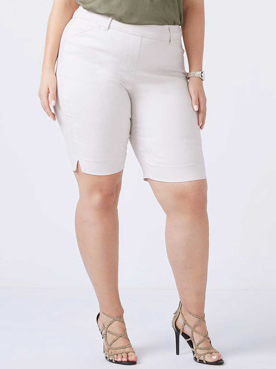 Petite - Savvy Bermuda Short - In Every Story