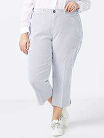 Slightly Curvy Fit Striped Capri Pant - In Every Story