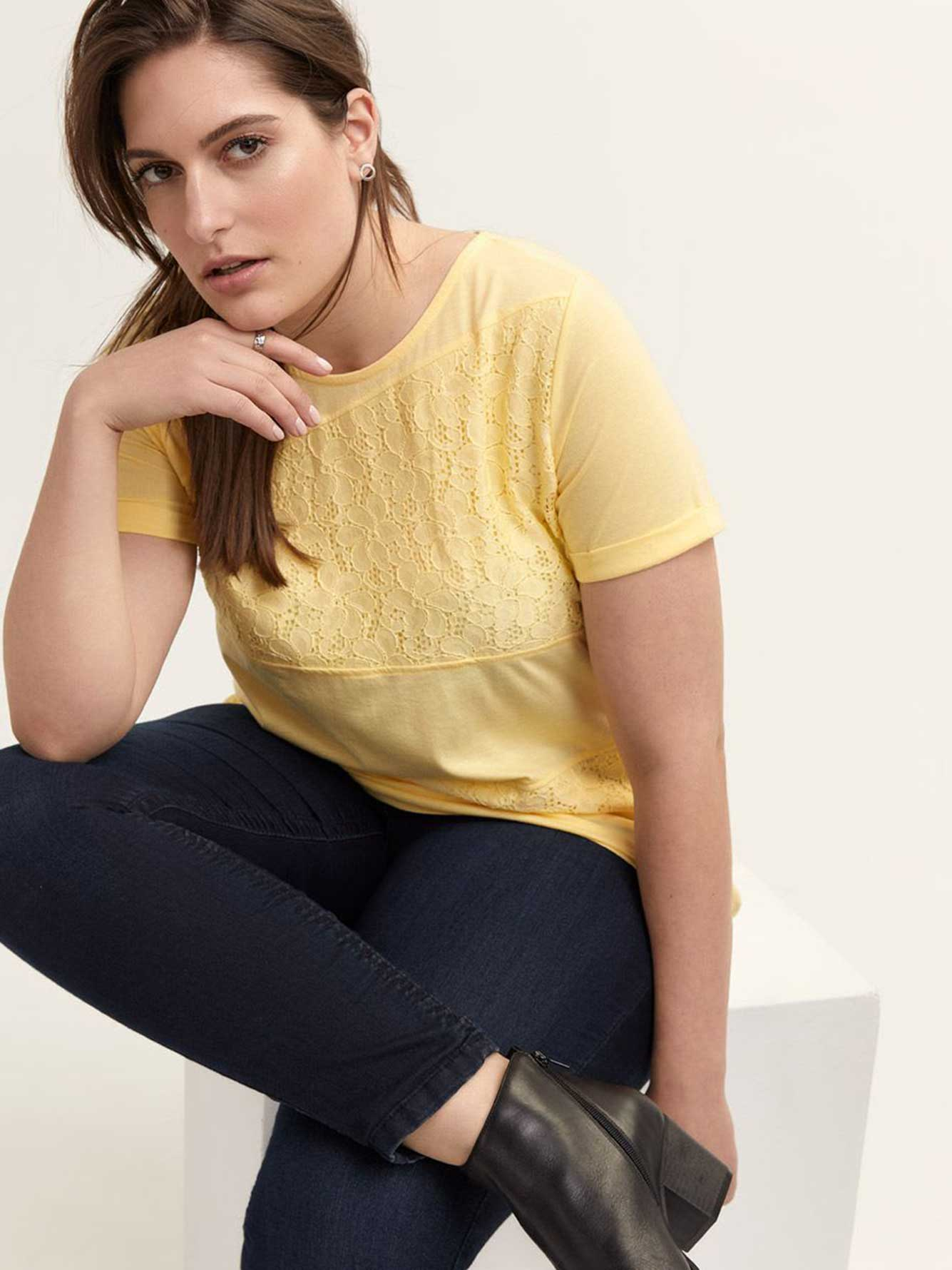 Girlfriend Fit Short Sleeve Top with Lace - d/C JEANS