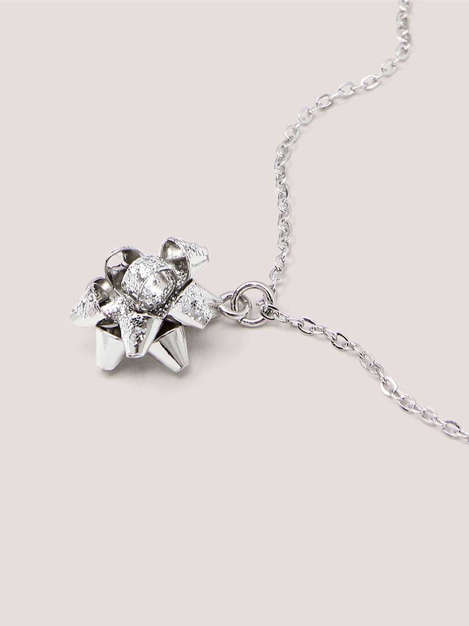 Short Pom-Pom Bow Necklace with Holiday Card