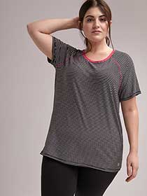 Plus Size Printed T-Shirt With Cutout - ActiveZone
