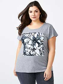 Girlfriend Fit Printed T-Shirt - d/c JEANS