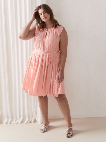 Solid Pleated Sleeveless Dress - Addition Elle