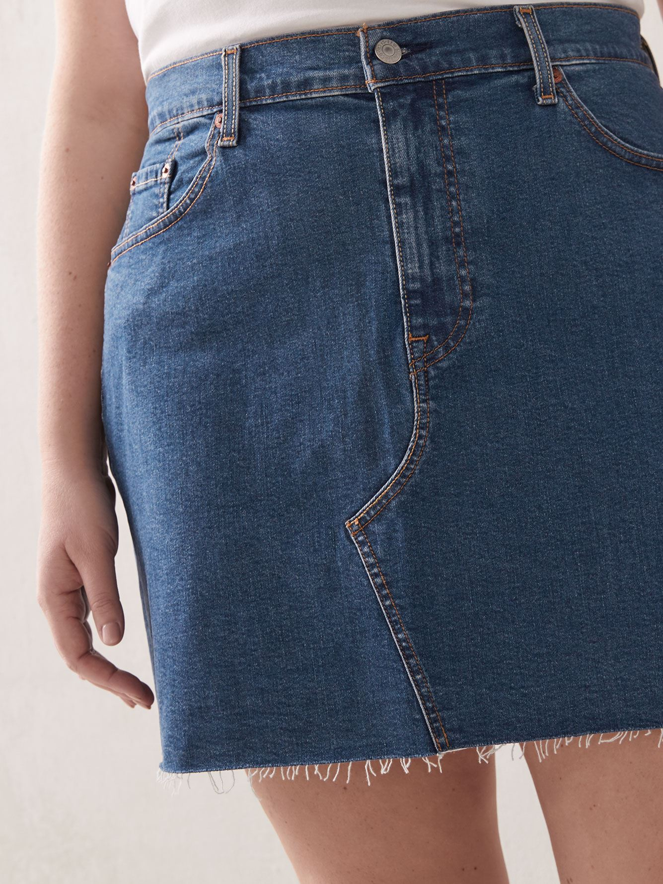 Stretchy Deconstructed Meet in the Middle Jean Skirt - Levi's Premium