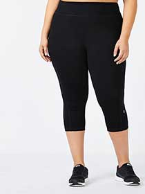 Essentials - Basic Plus-Size Capri Legging